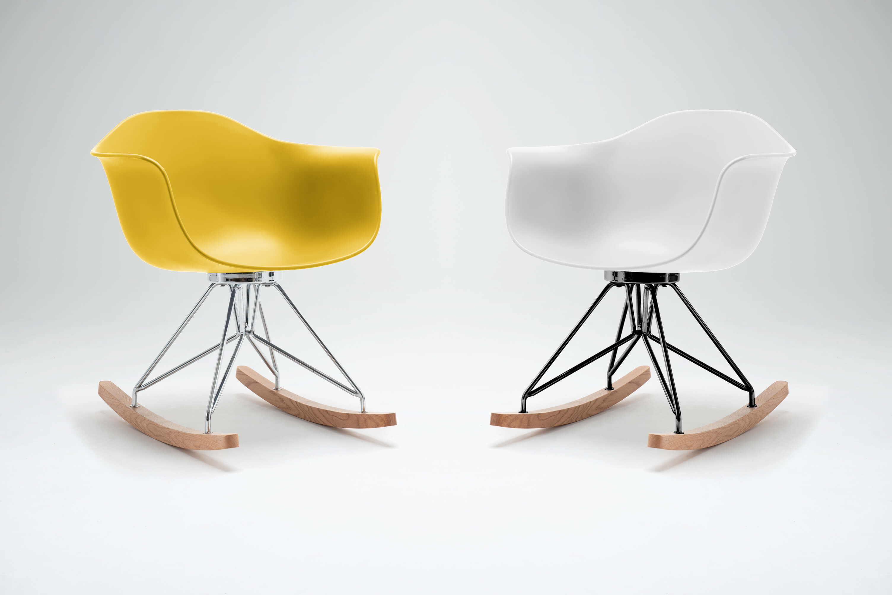 moda-rocking-chair-pair